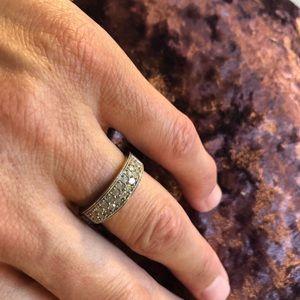 Jewelry - Silver & Diamond Ring